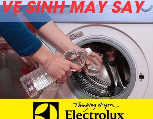 cách vệ sinh máy sấy quần áo Electrolux