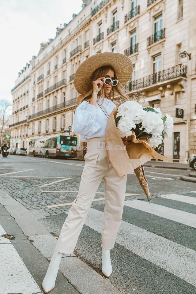Quần màu be mix áo sơ mi trắng hiện đại