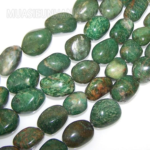 Đá cẩm thạch xanh lá rất hợp với người mệnh Mộc