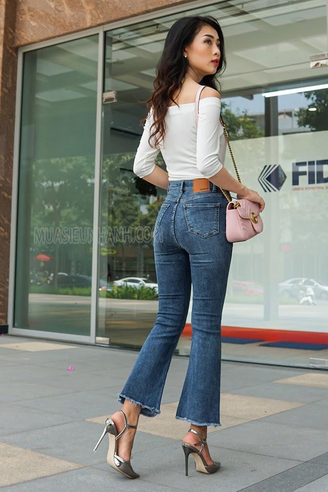 quần jean ống loe kết hợp với giày gì
