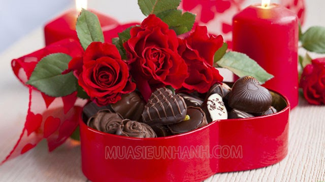 Socola và hoa hồng là những món quà kinh điển trong ngày lễ tình nhân