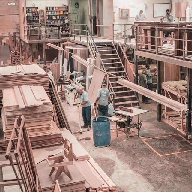 Xưởng gỗ có rất nhiều bụi bẩn ảnh hưởng đến sức khỏe, môi trường