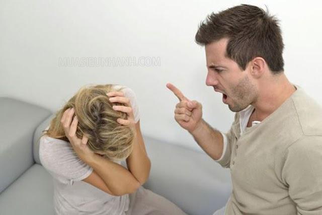 Những người chồng gia trưởng thường rất khó tính
